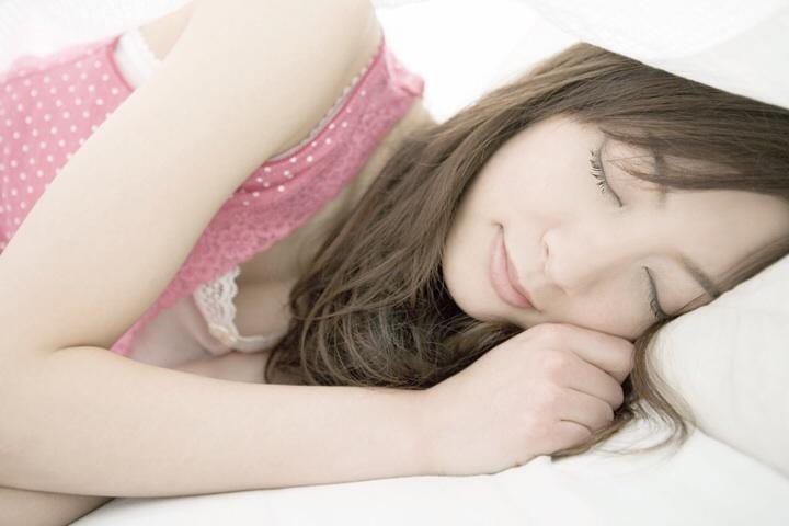深夜の異常な食行動。睡眠薬が原因?